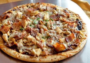 grilled-chicken-pizza